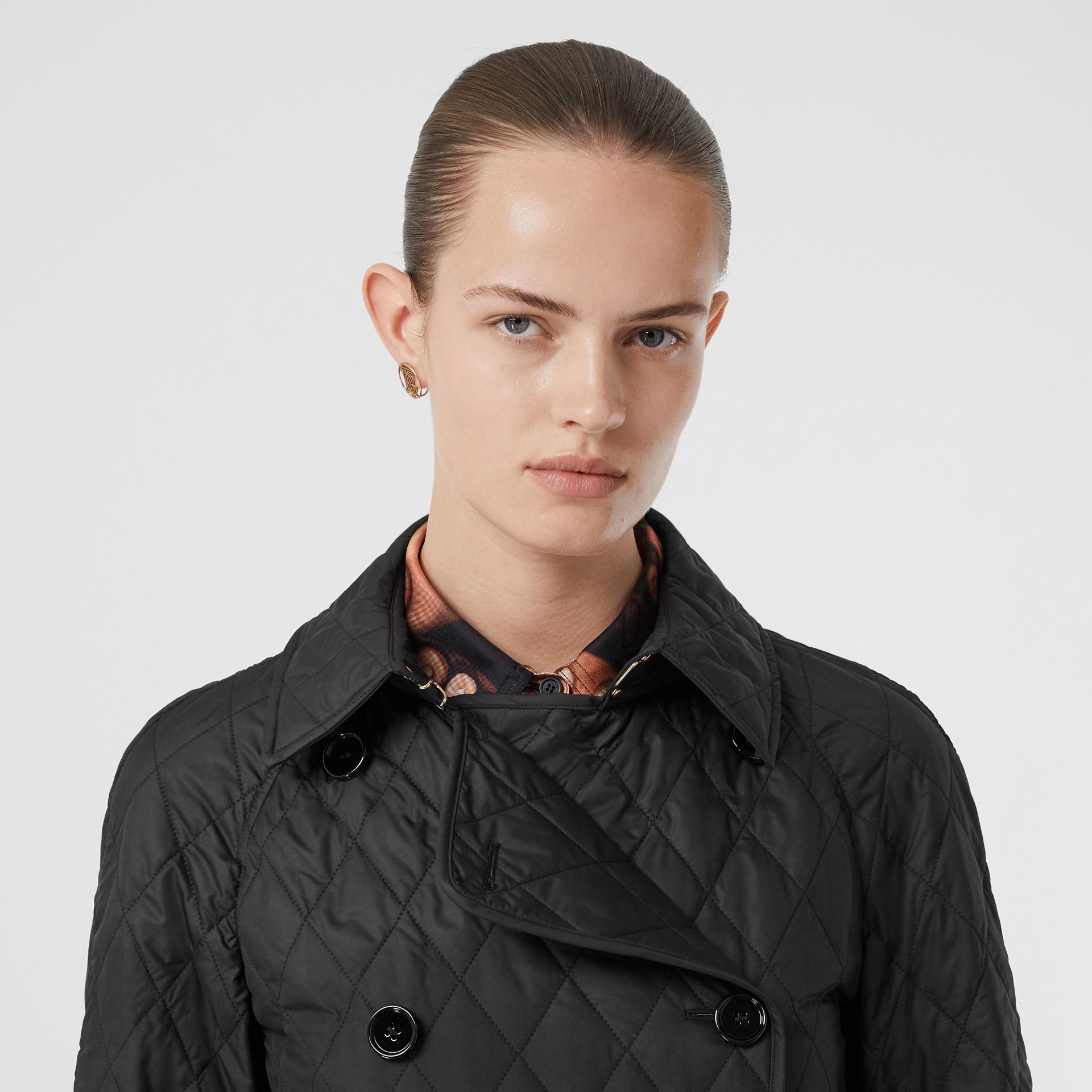 Manteau matelassé à double boutonnage (Noir) - Femme | Burberry - photo de la galerie 8