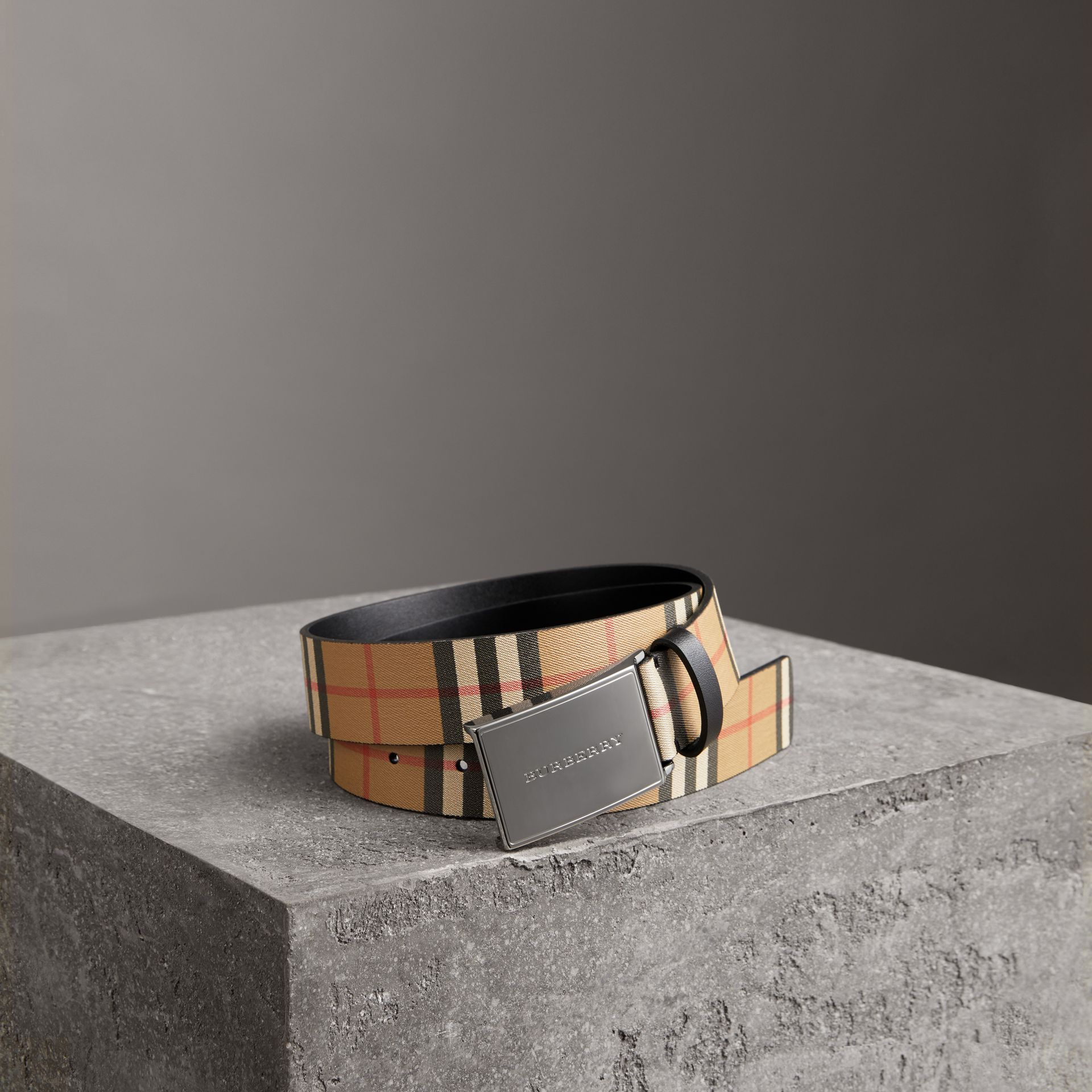 Plaque Buckle Vintage Check Leather Belt in Black - Men | Burberry Canada - gallery image 0