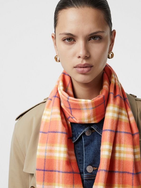 The Classic Vintage Check Cashmere Scarf in Coral