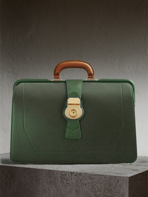 The DK88 Doctor's Bag in Dark Forest Green
