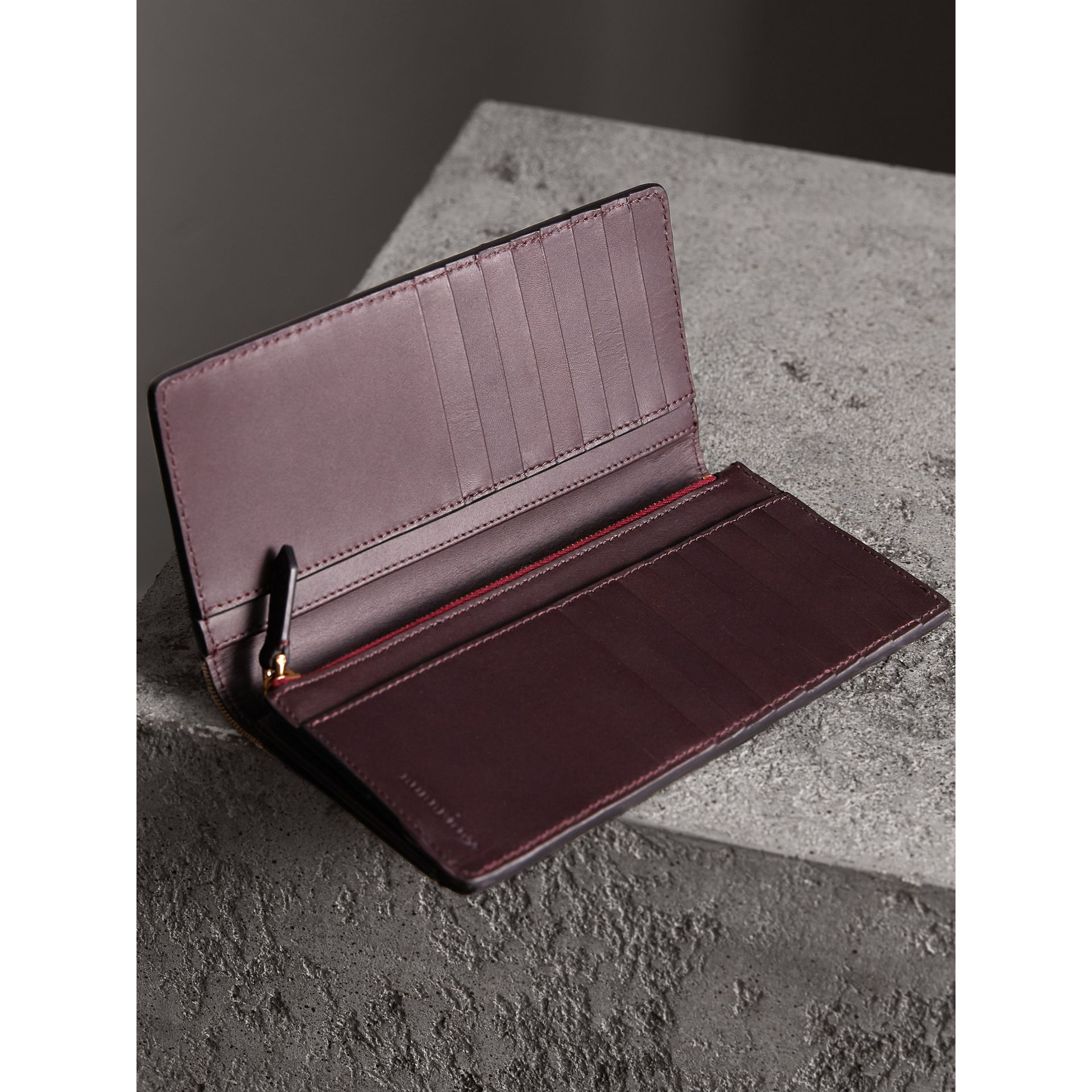House Check and Grainy Leather Continental Wallet in Wine | Burberry - gallery image 4