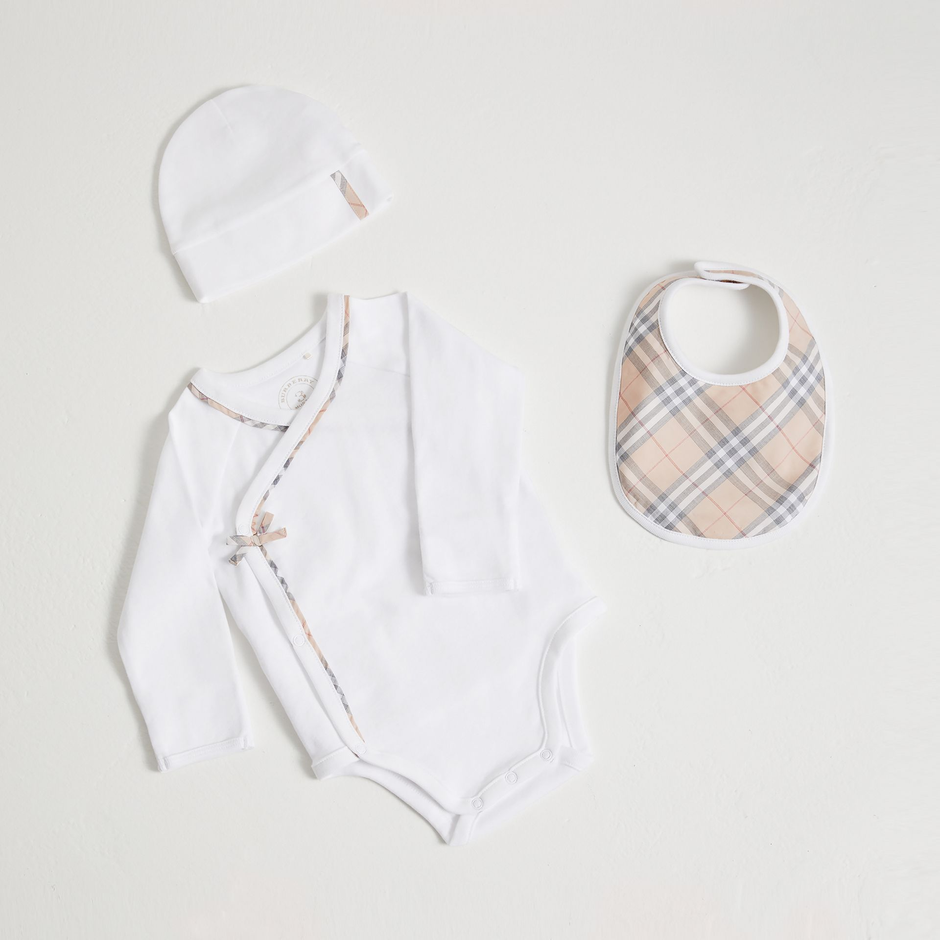 Check Cotton Three-piece Baby Gift Set in White - Girl | Burberry - gallery image 0