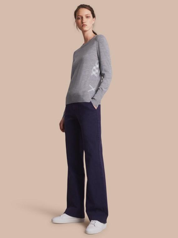 Suéter de lã Merino com detalhe xadrez (Cinza Médio Mesclado)
