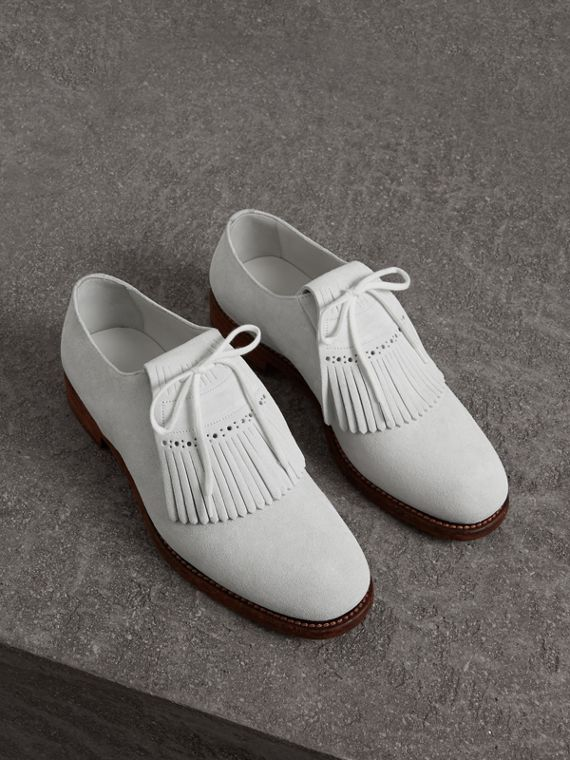 Lace-up Kiltie Fringe Suede Loafers in Off White