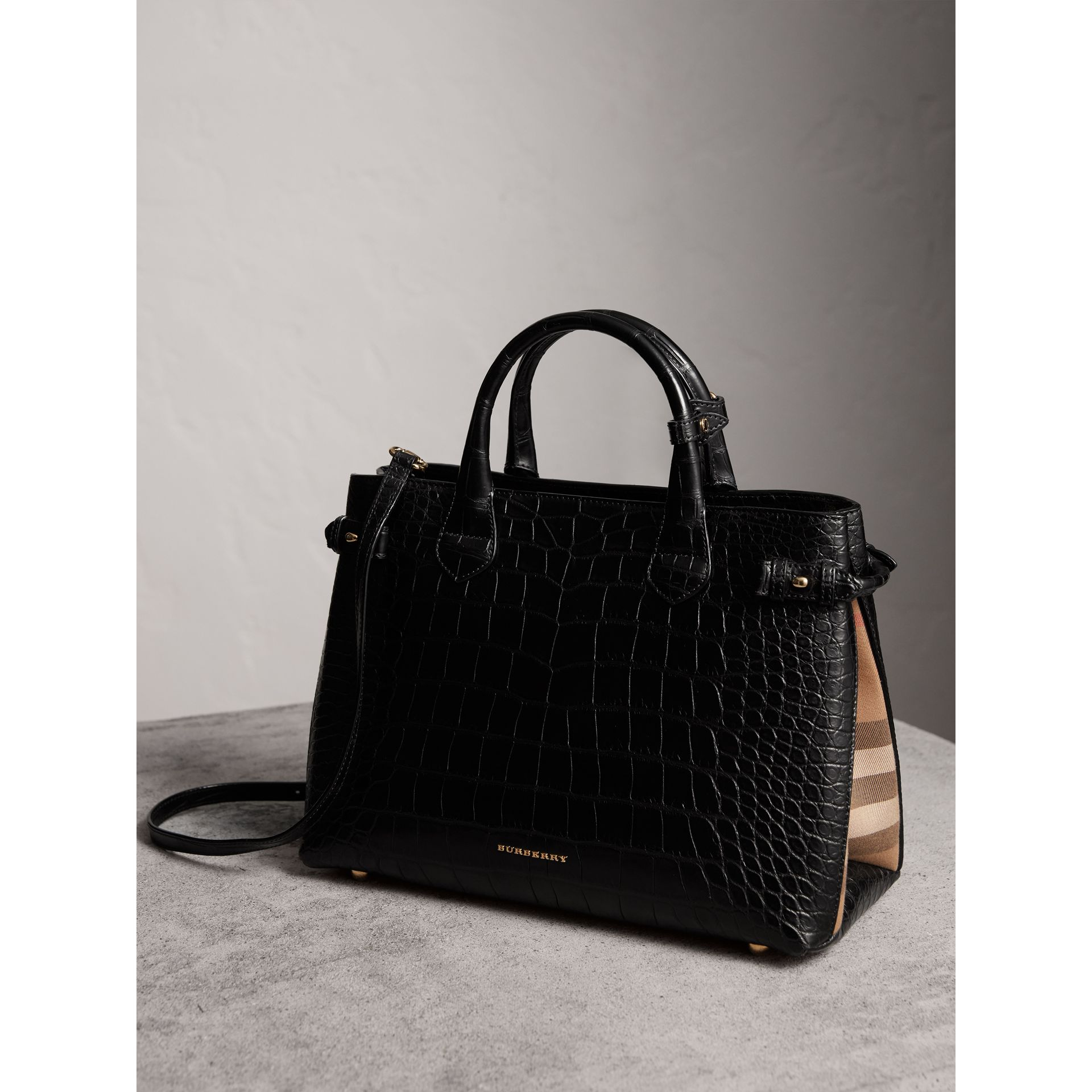 Sac The Banner medium en alligator (Noir) - Femme | Burberry - photo de la galerie 5