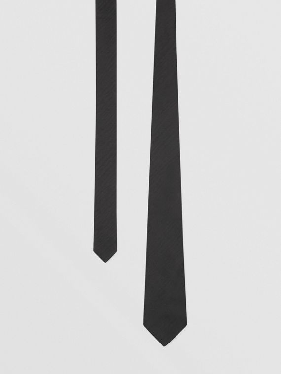 Classic Cut Silk Moire Jacquard Tie in Black