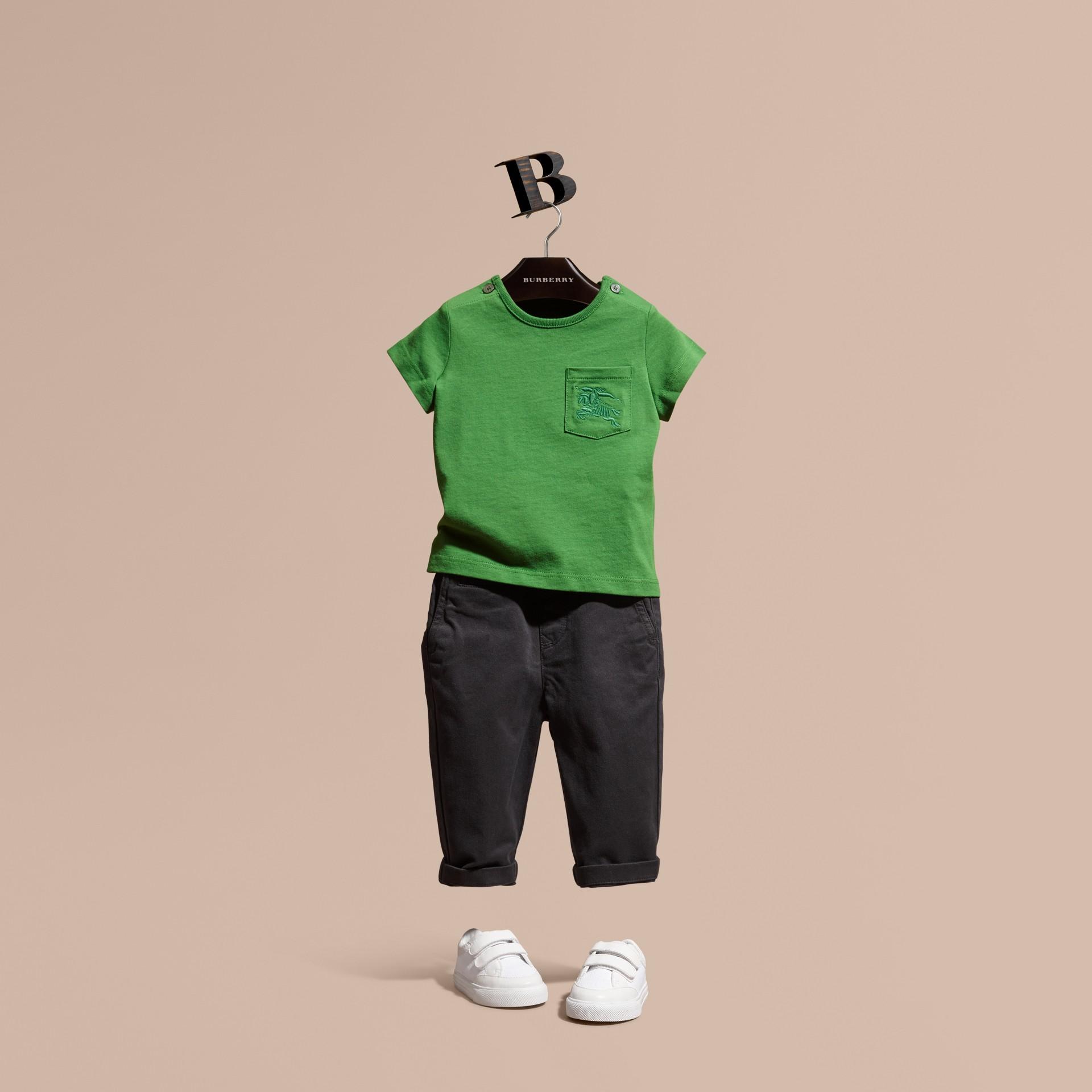 Verde felce brillante T-shirt girocollo in cotone Verde Felce Brillante - immagine della galleria 1