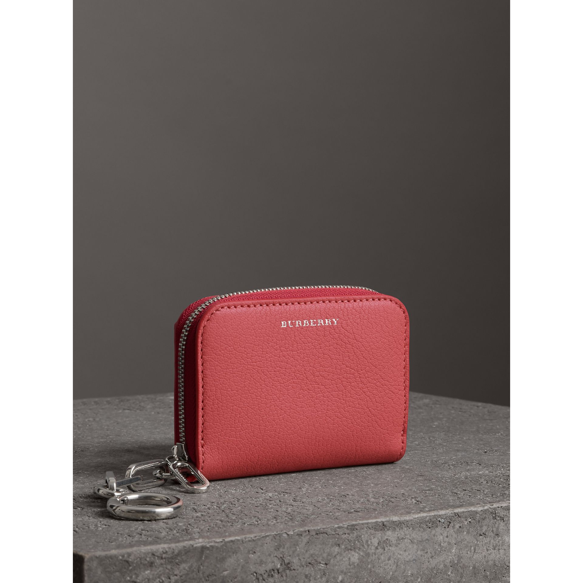 Link Detail Leather Ziparound Wallet in Bright Coral Pink - Women | Burberry - gallery image 4