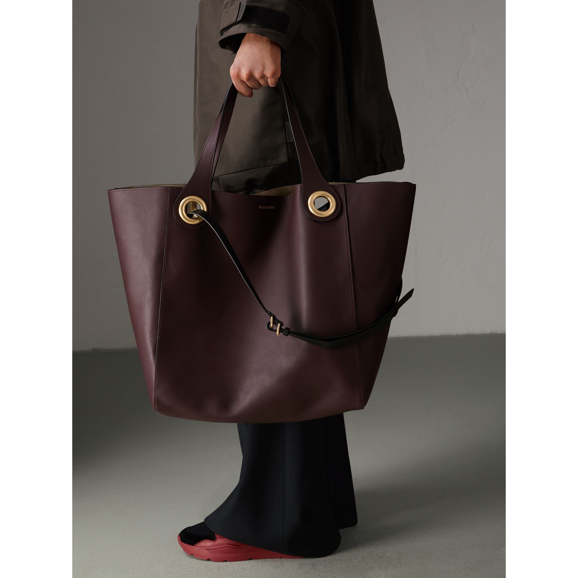 The Large Leather Grommet Detail Tote in Deep Claret | Burberry United Kingdom - gallery image 9