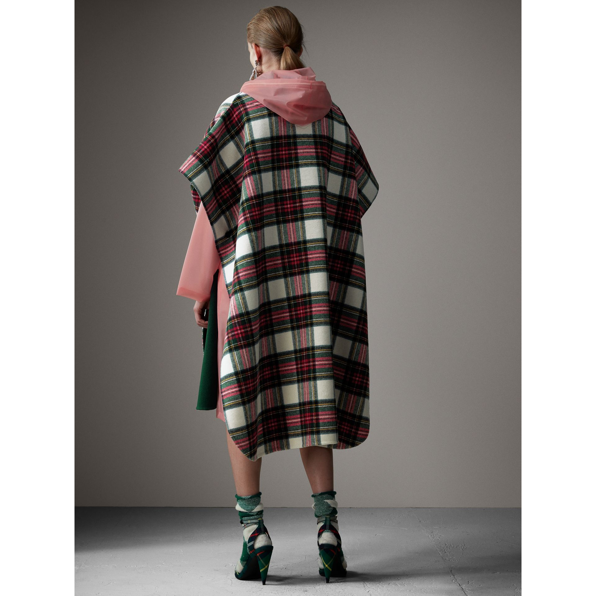 Reversible Tartan Oversized Poncho in Natural White/bottle Green - Women | Burberry - gallery image 3