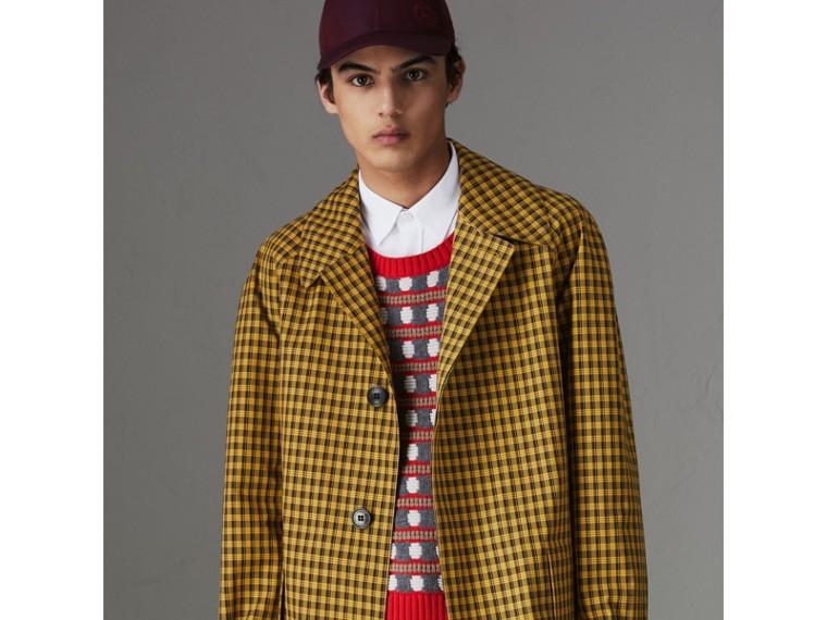 슈렁큰 체크 본딩 코튼 카 코트 (사프란 옐로) - 남성 | Burberry - cell image 4