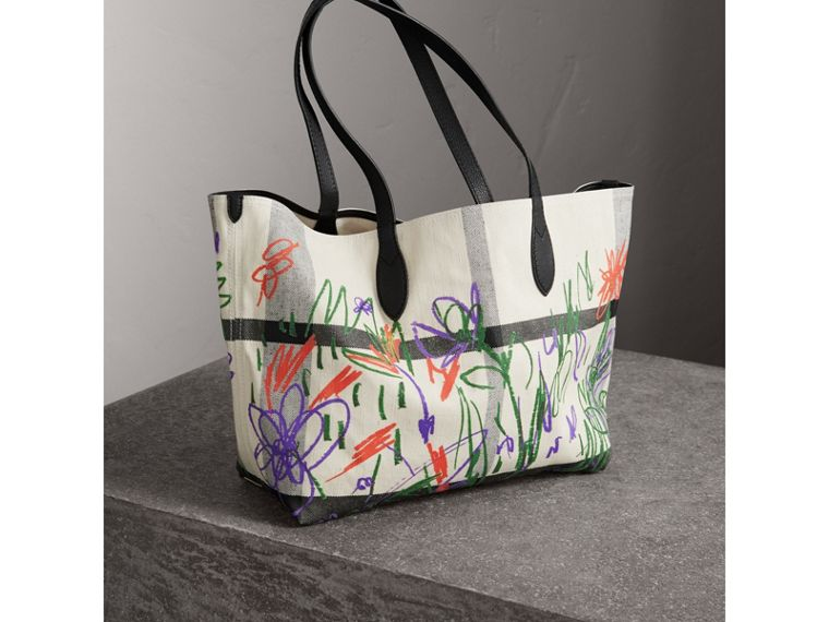 The Medium Reversible Doodle Tote in White/black - Women | Burberry - cell image 4