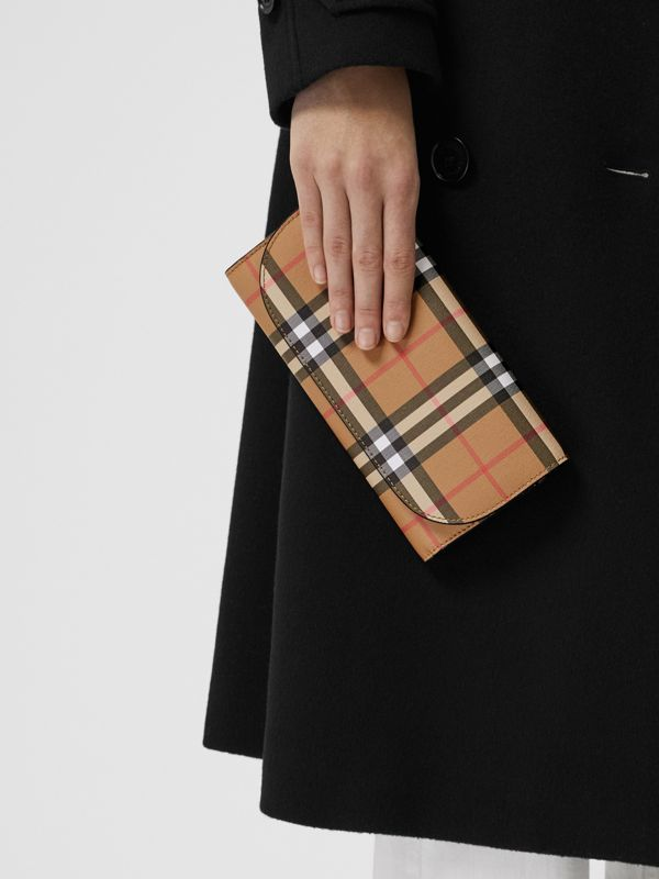 Detachable Strap Vintage Check Leather Wallet in Black - Women | Burberry - cell image 2