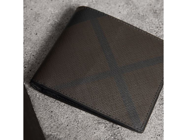 London Check ID Wallet in Chocolate/black - Men | Burberry Canada - cell image 1