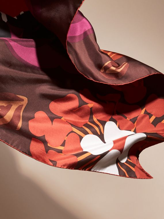 Deep burgundy Floral Silk Twill Square – Medium Deep Burgundy - cell image 3