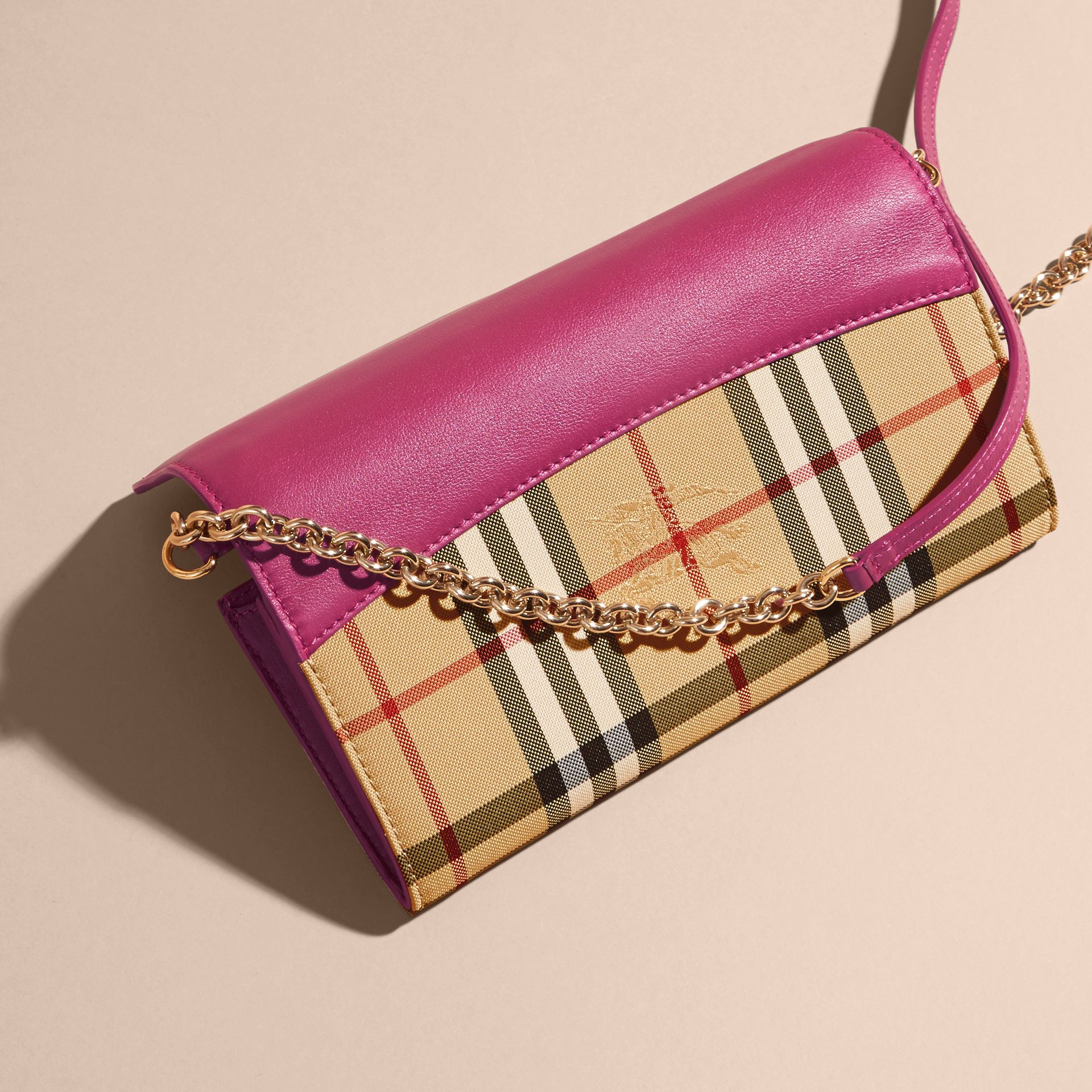 Brilliant fuchsia Horseferry Check and Leather Wallet with Chain Brilliant Fuchsia - gallery image 4