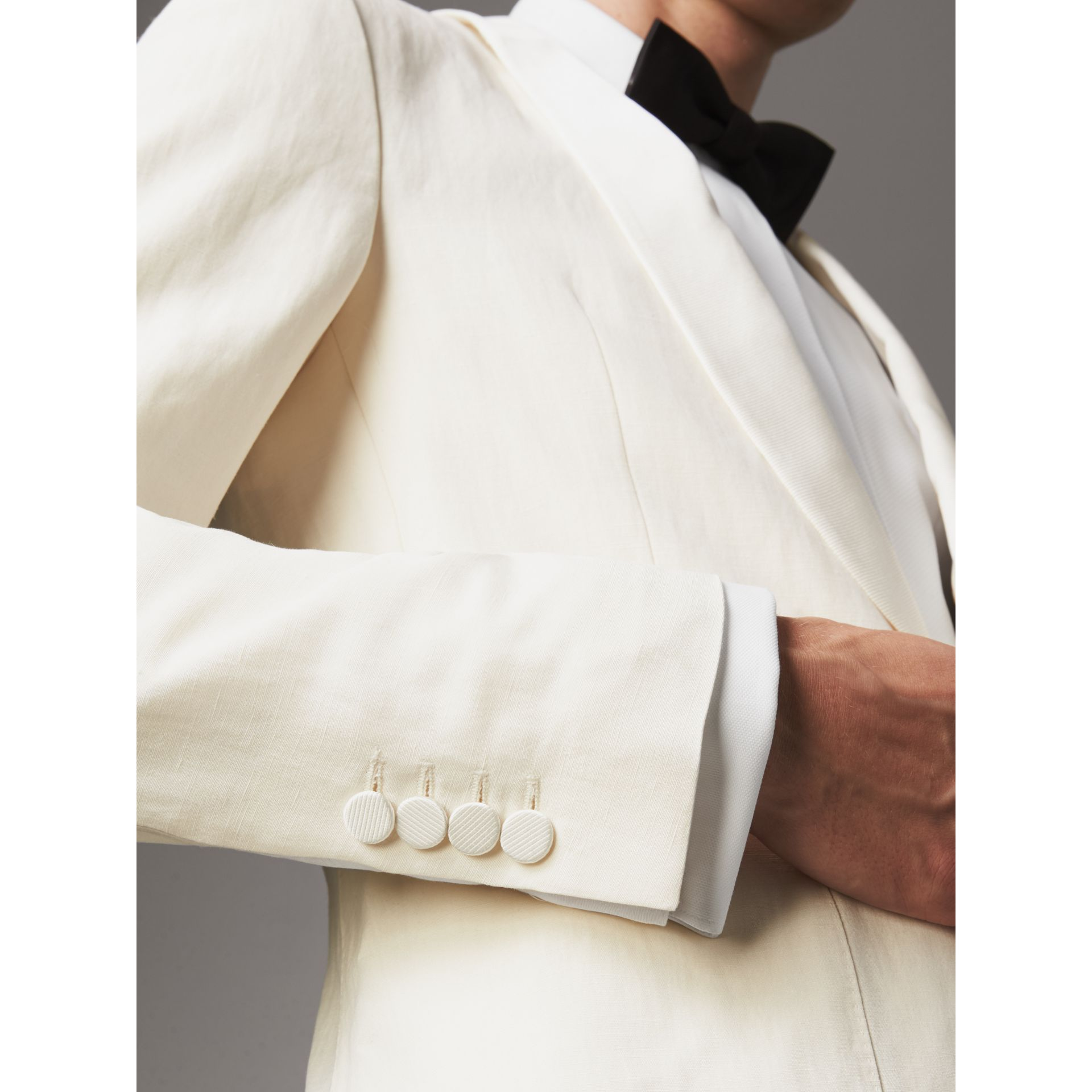 Modern Fit Shawl Lapel Linen Silk Evening Jacket in Off White - Men | Burberry United Kingdom - gallery image 2