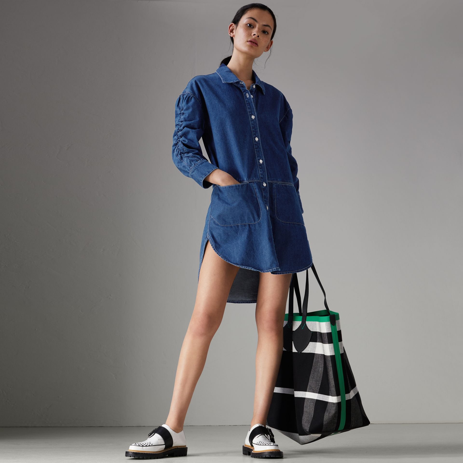Japanese Cotton Shirt Dress in Light Indigo - Women | Burberry - gallery image 4