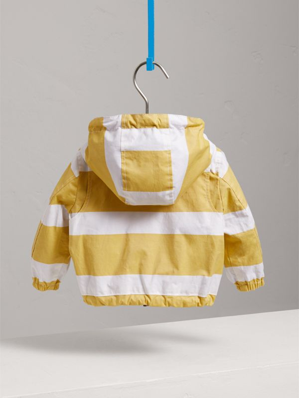 Reversible Stripe and Vintage Check Hooded Jacket in Larch Yellow/whte - Children | Burberry Singapore - cell image 3