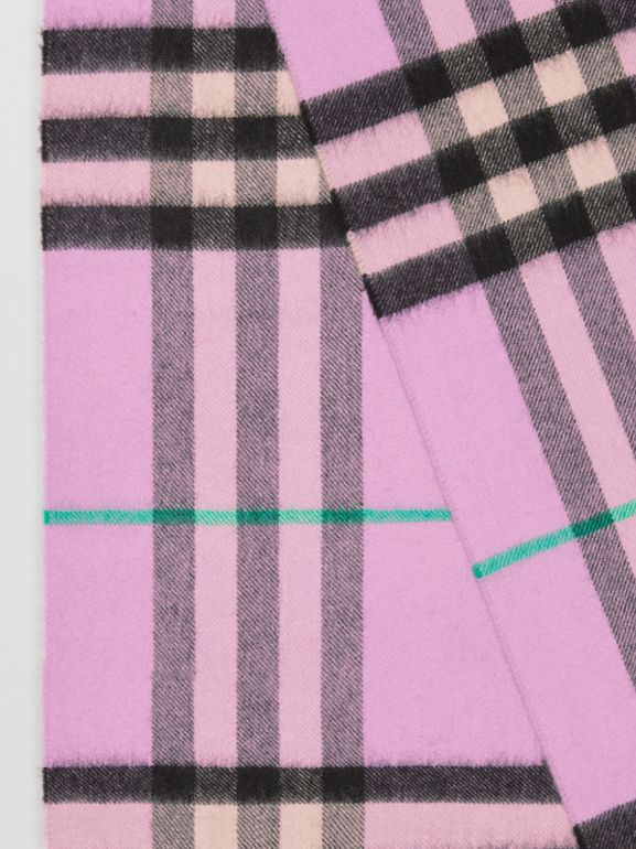 The Classic Check Cashmere Scarf in Pale Heather | Burberry United Kingdom - cell image 1
