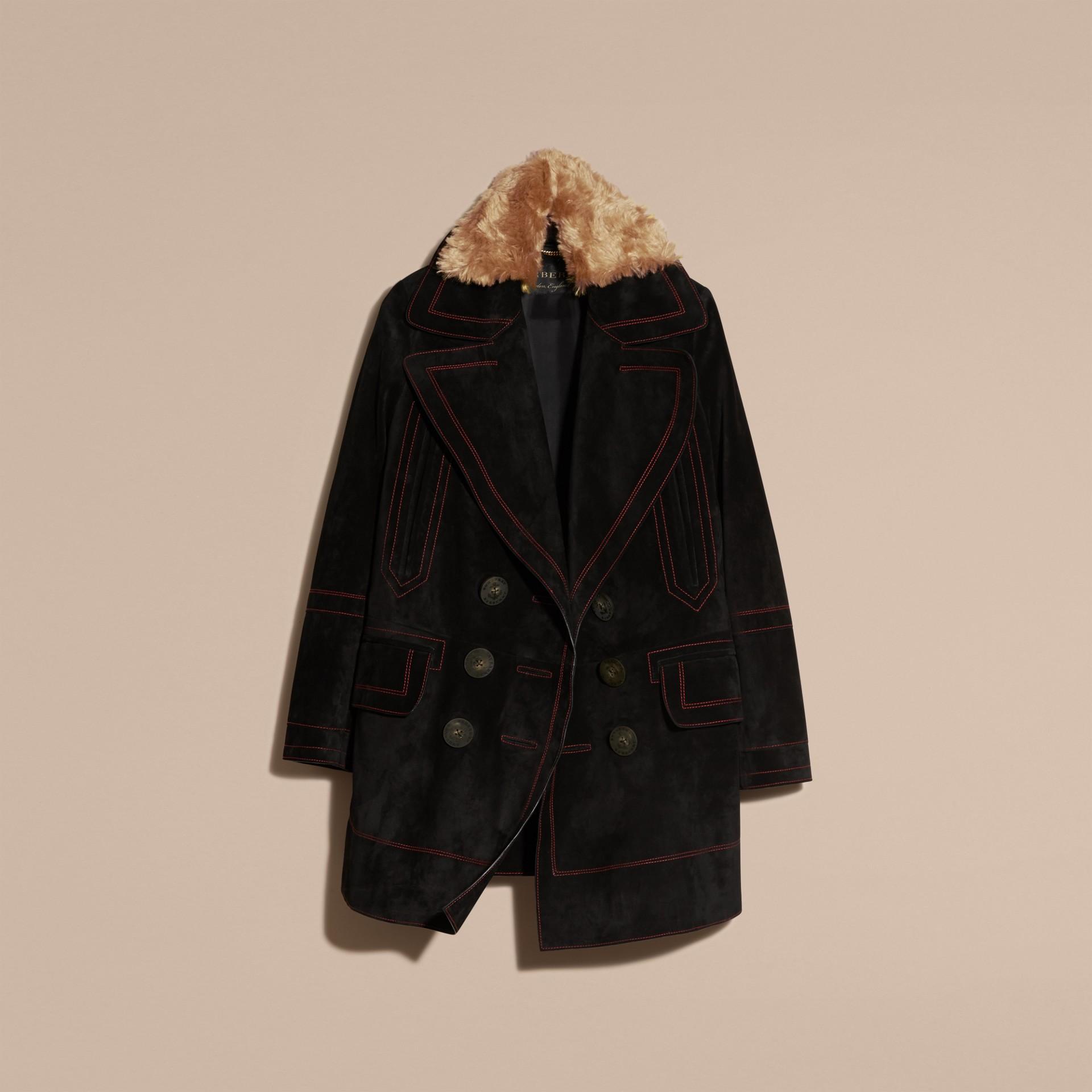Nero Pea coat in pelle scamosciata con sopracollo in shearling - immagine della galleria 4