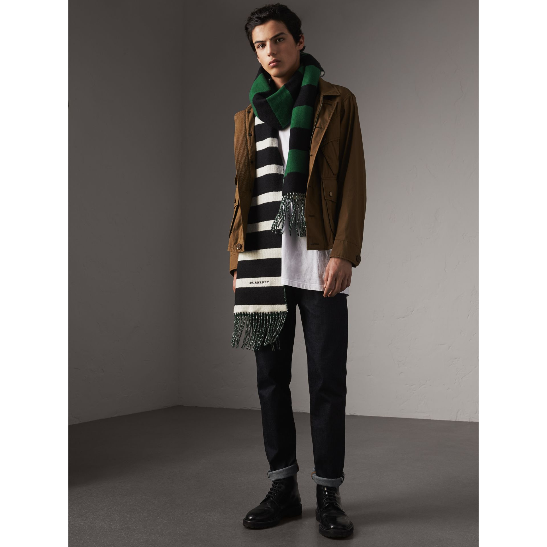 Colour-block Striped Wool Cashmere Scarf in Emerald Green/black | Burberry United States - gallery image 4
