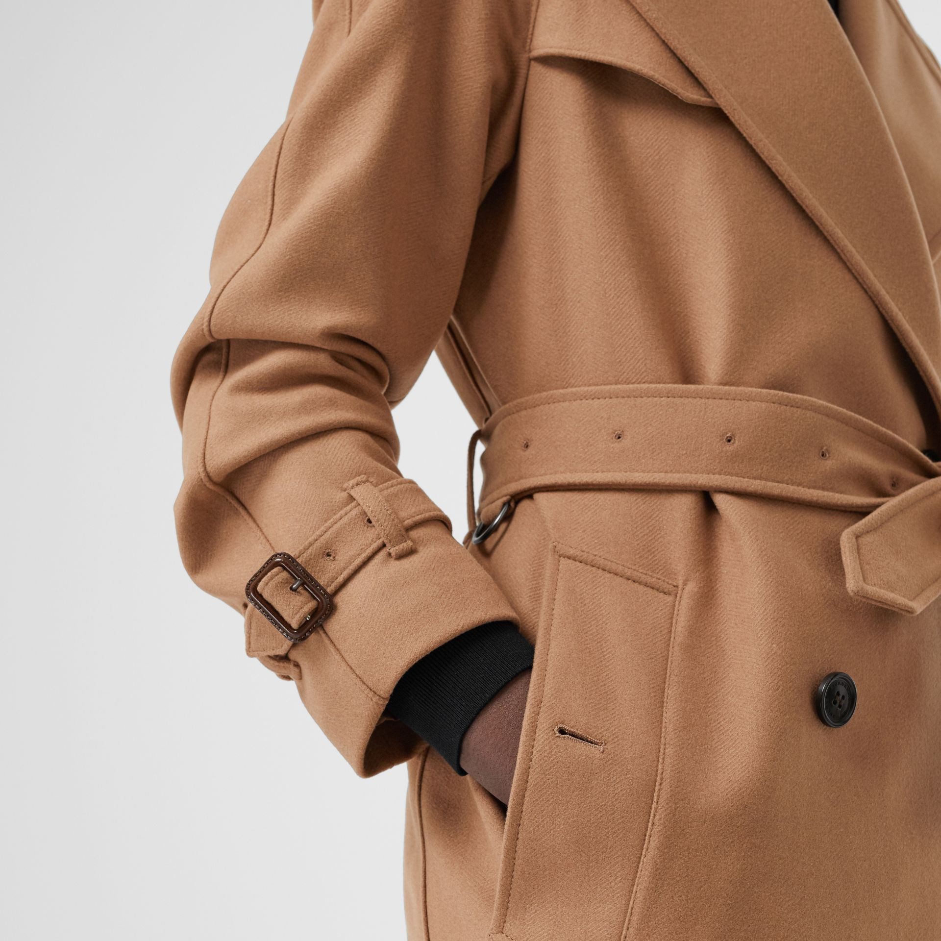 Herringbone Wool Cashmere Blend Trench Coat in Camel - Women | Burberry Singapore - gallery image 4
