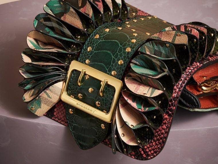 Sac The Ruffle Buckle en peau de serpent, cuir d'autruche et tissu à motif check