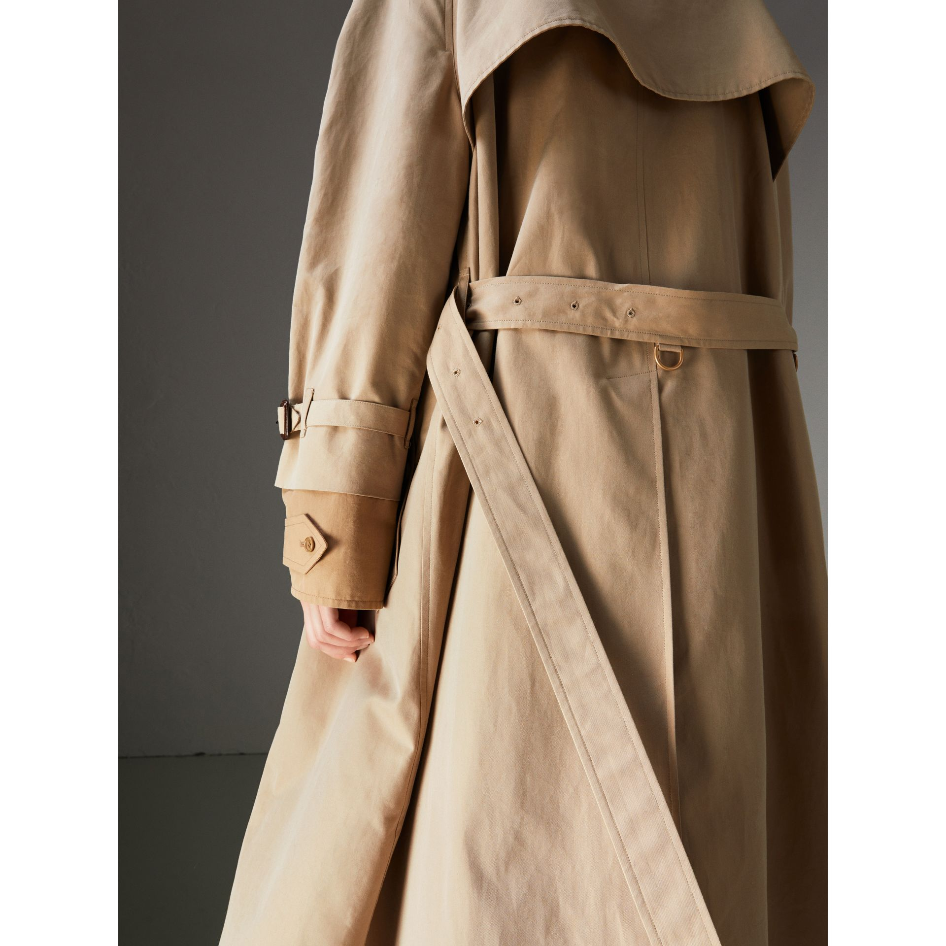 Cotton Gabardine Reconstructed Car Coat in Honey - Women | Burberry Canada - gallery image 4