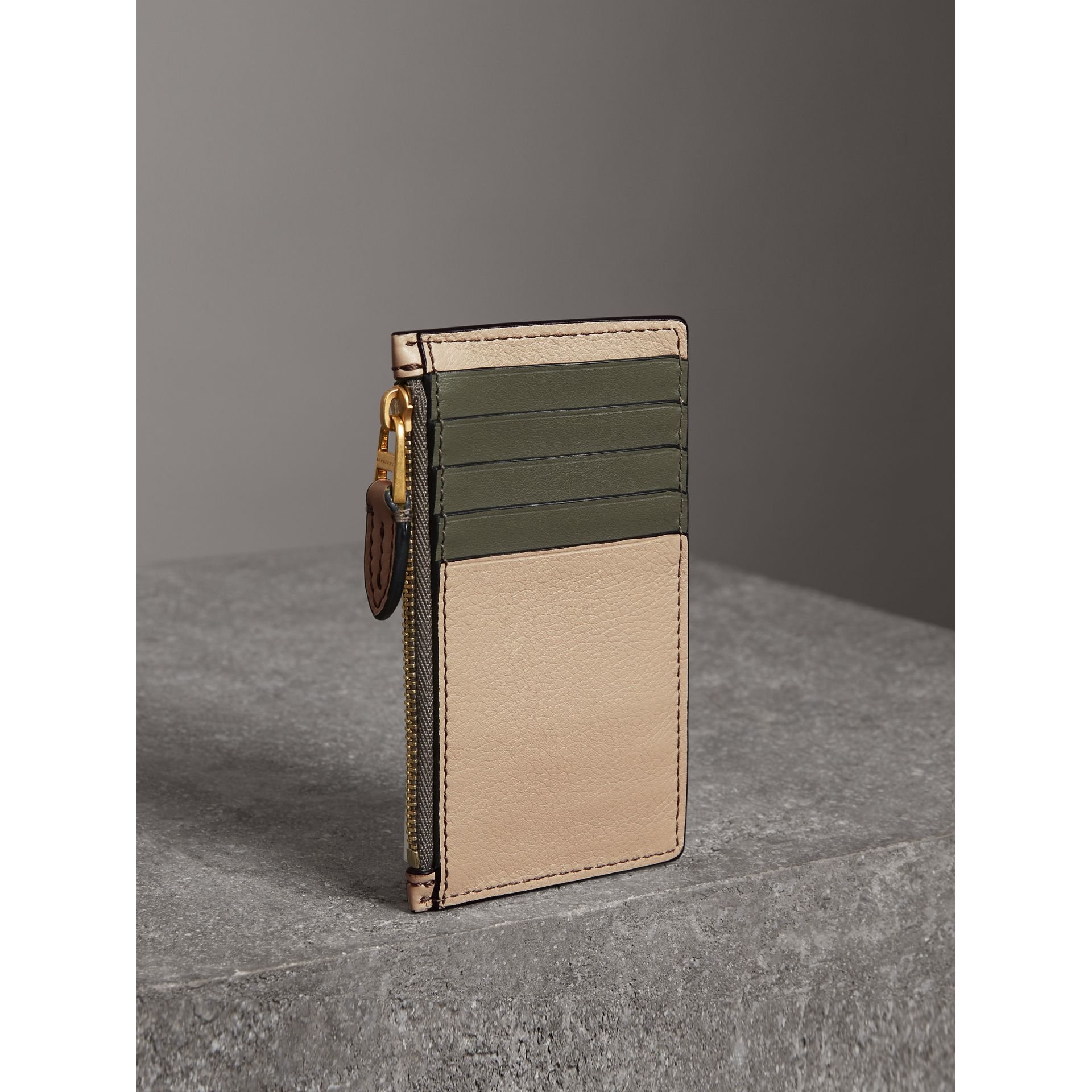 Two-tone Leather Card Case in Limestone | Burberry United States - gallery image 2
