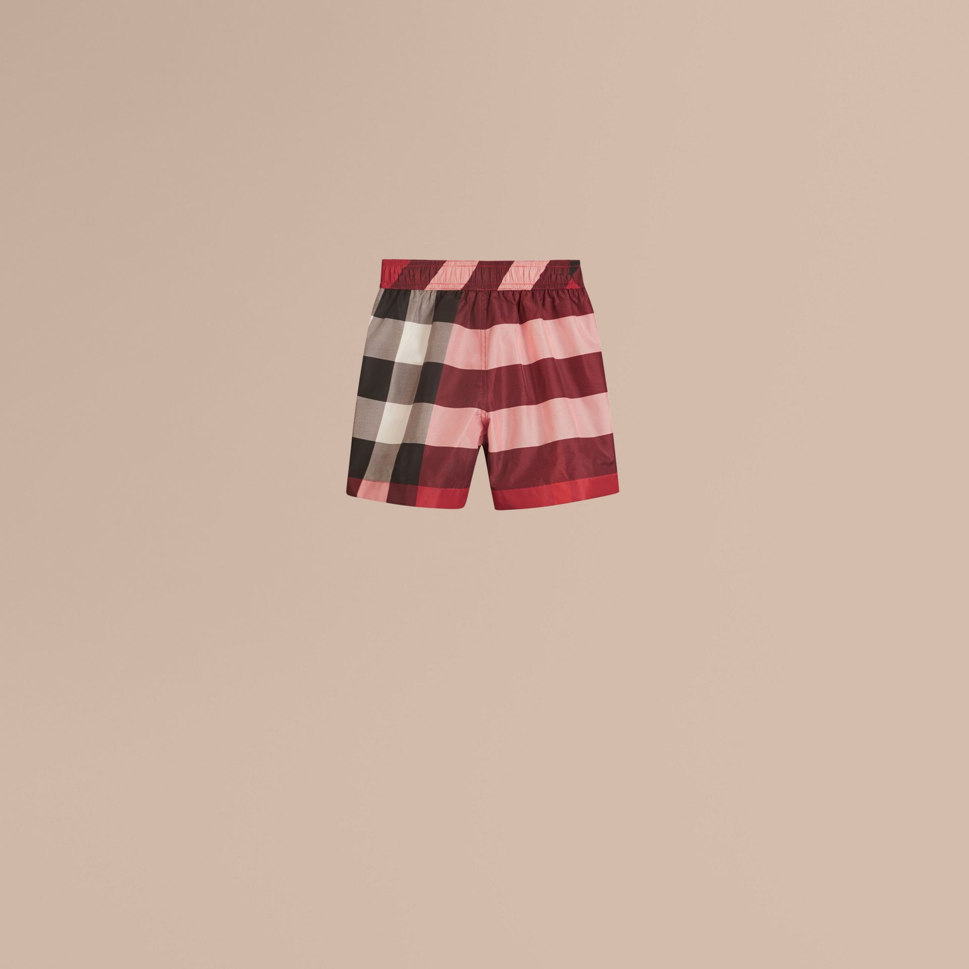Short de bain à motif check (Rouge Parade) - Garçon | Burberry - photo de la galerie 3