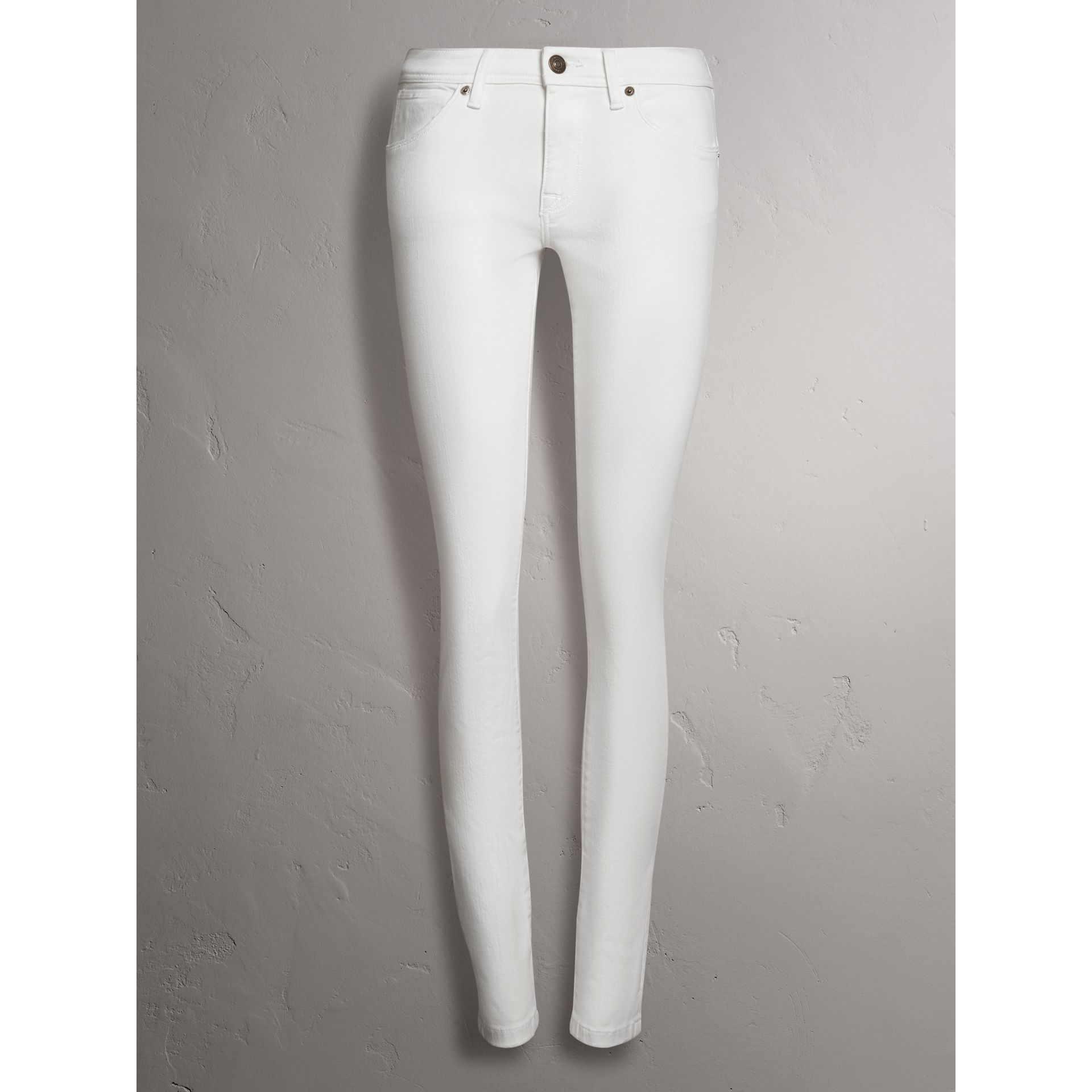 Skinny Fit Low-Rise White Jeans - Women | Burberry Hong Kong - gallery image 4