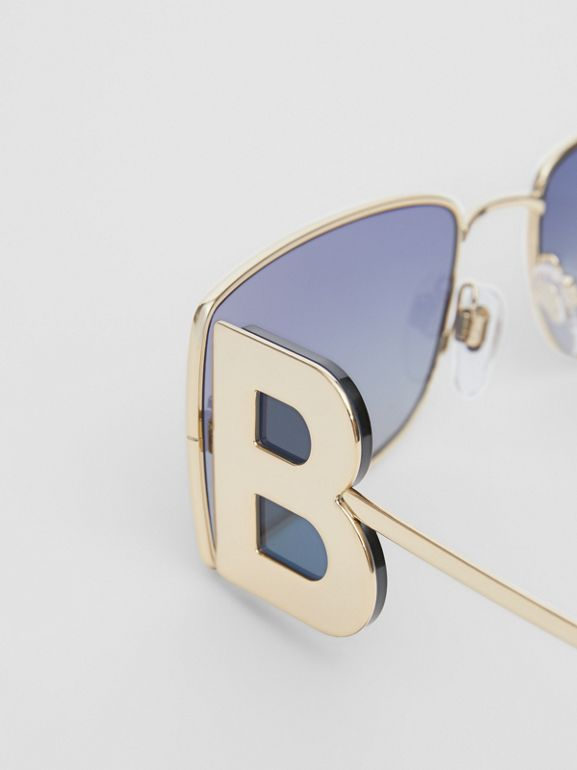 'B' Lens Detail Rectangular Frame Sunglasses in Tortoiseshell - Women | Burberry - cell image 1