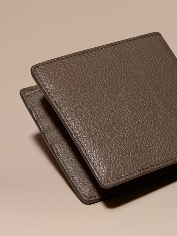 Deep taupe brown Leather Folding Wallet Deep Taupe Brown - cell image 3