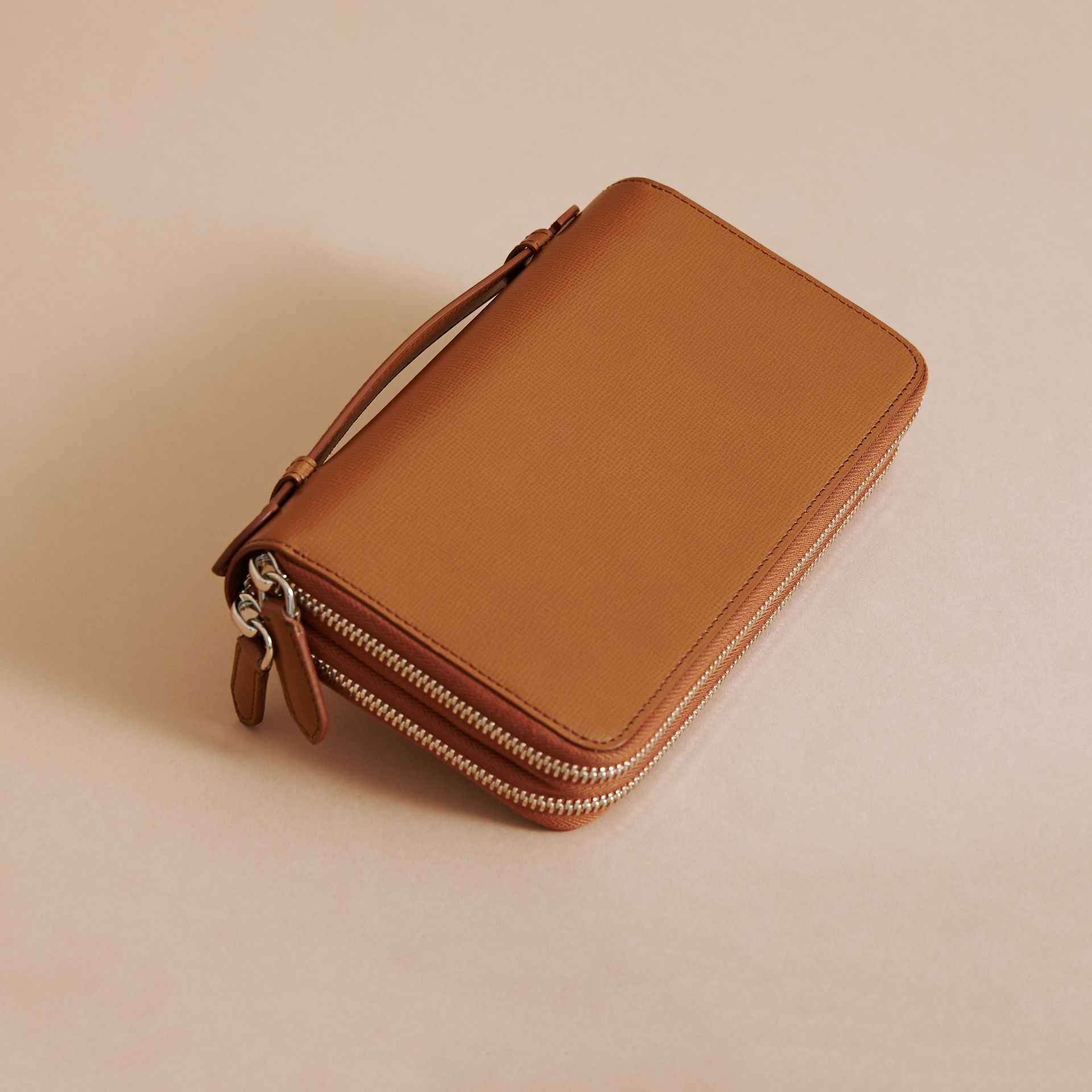 London Leather Travel Wallet in Tan - Men | Burberry - gallery image 4