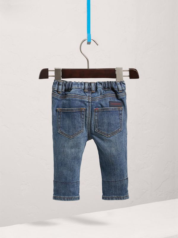 Relaxed Fit Indigo Jeans in Mid - Children | Burberry - cell image 3
