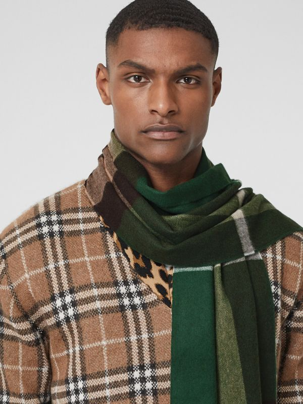 Check Cashmere Scarf in Dark Pine Green | Burberry United States - cell image 2