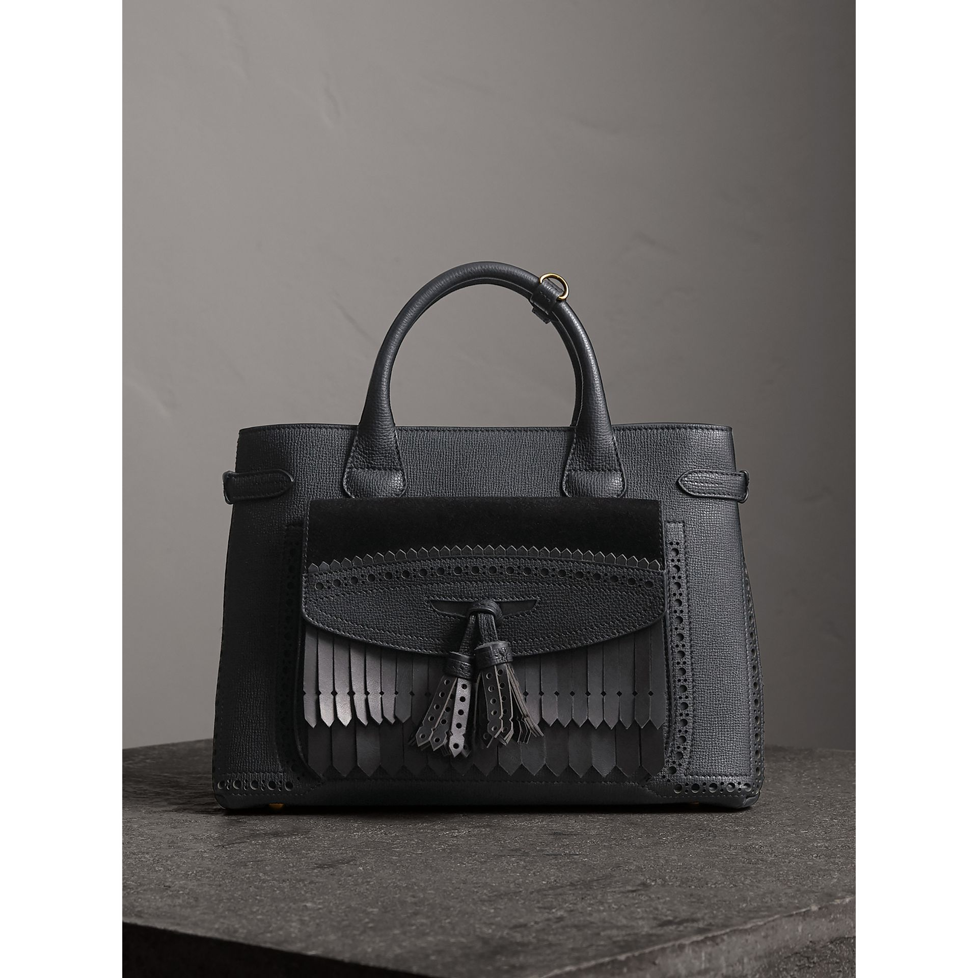 Sac The Banner moyen de style richelieu (Noir) - Femme | Burberry Canada - photo de la galerie 7