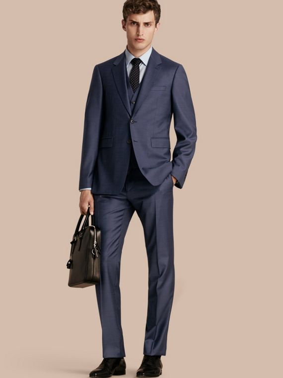 Modern Fit Travel Tailoring Sharkskin Wool Three-piece Suit