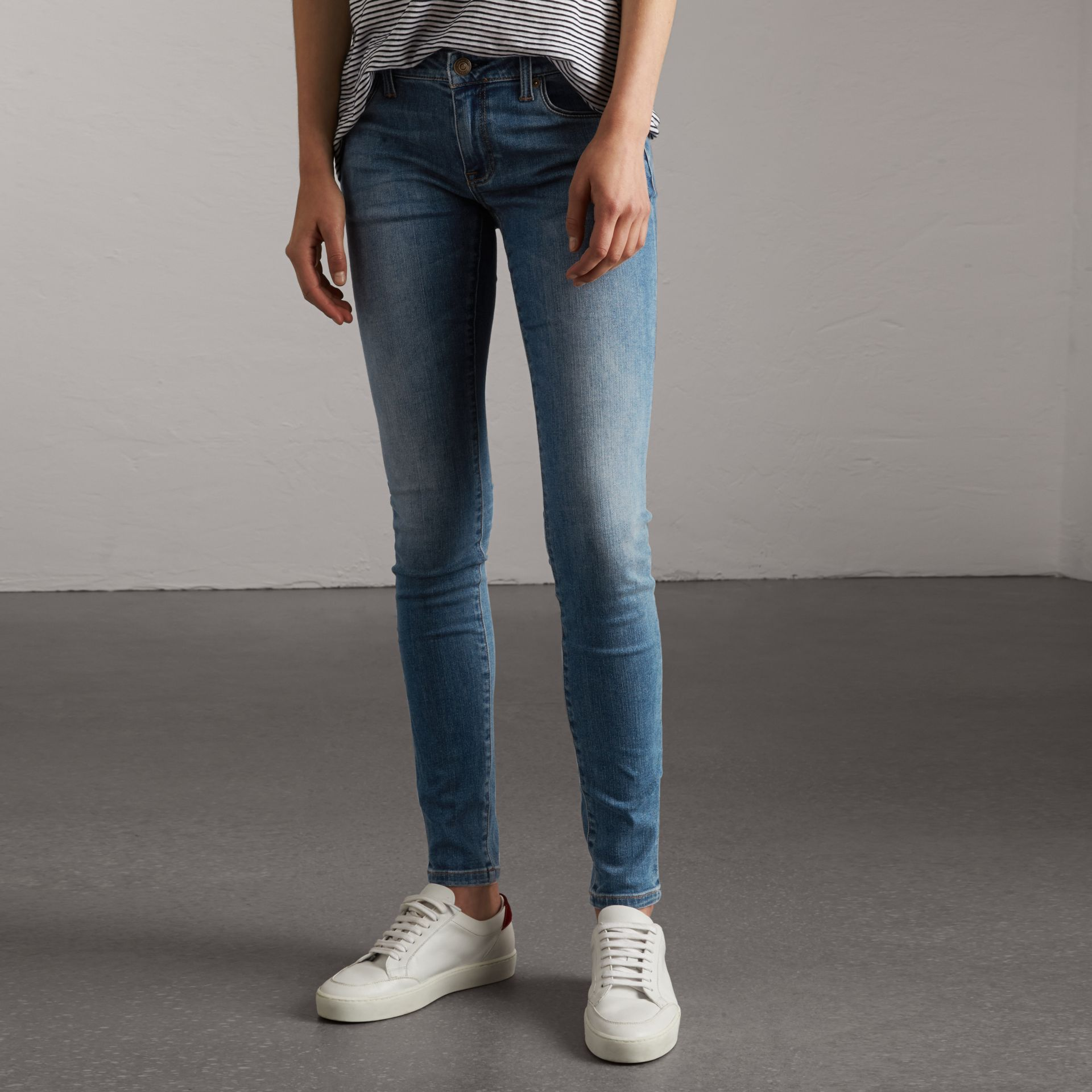Skinny Low-Rise Vintage Wash Jeans in Mid Indigo - Women | Burberry Canada - gallery image 0