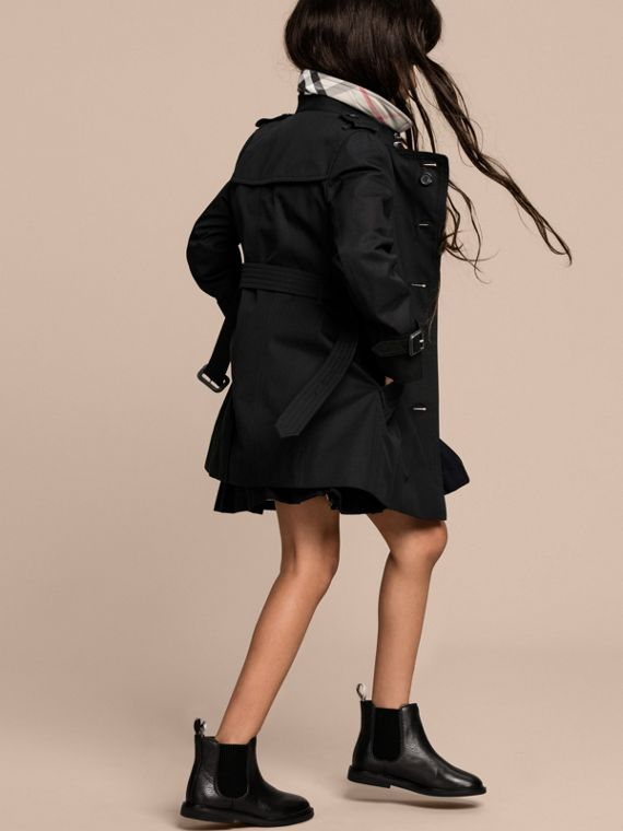 The Sandringham – Heritage Trench Coat in Black - Girl | Burberry - cell image 3