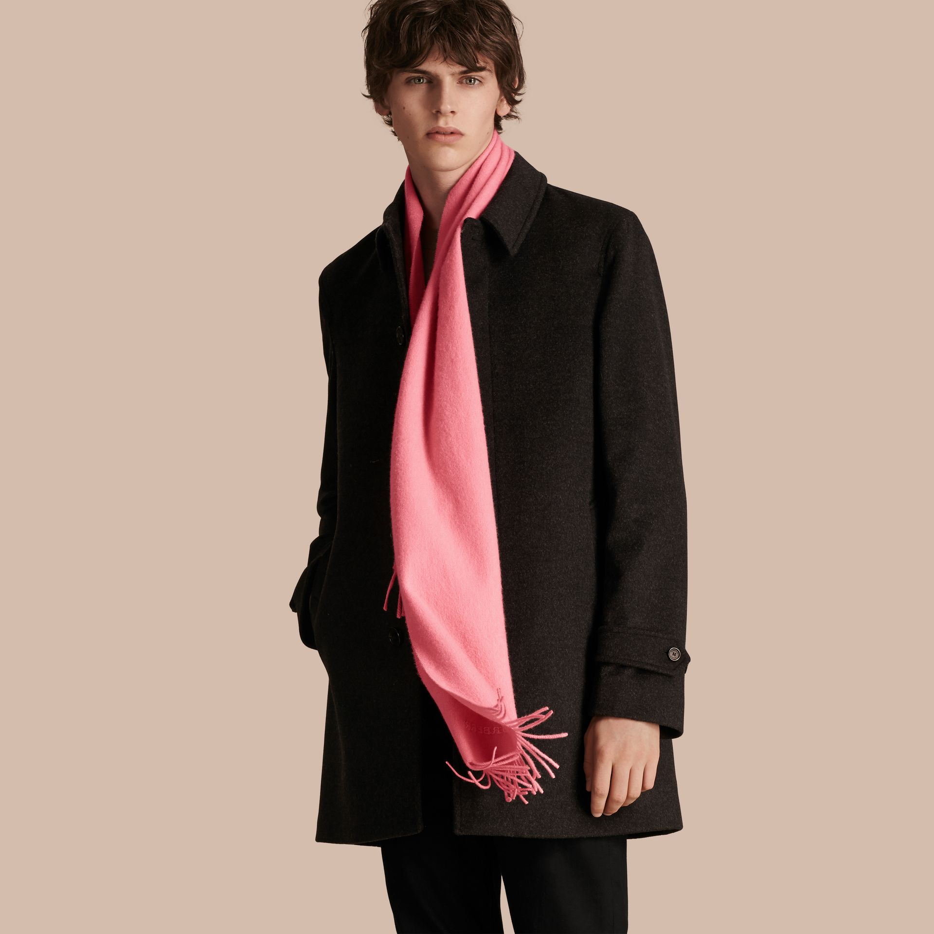 The Classic Cashmere Scarf Rose Pink - gallery image 4