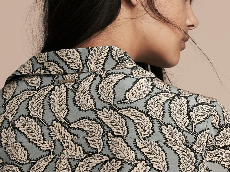 Bleu pierre Robe chemise en soie à imprimé feuillage - cell image 4