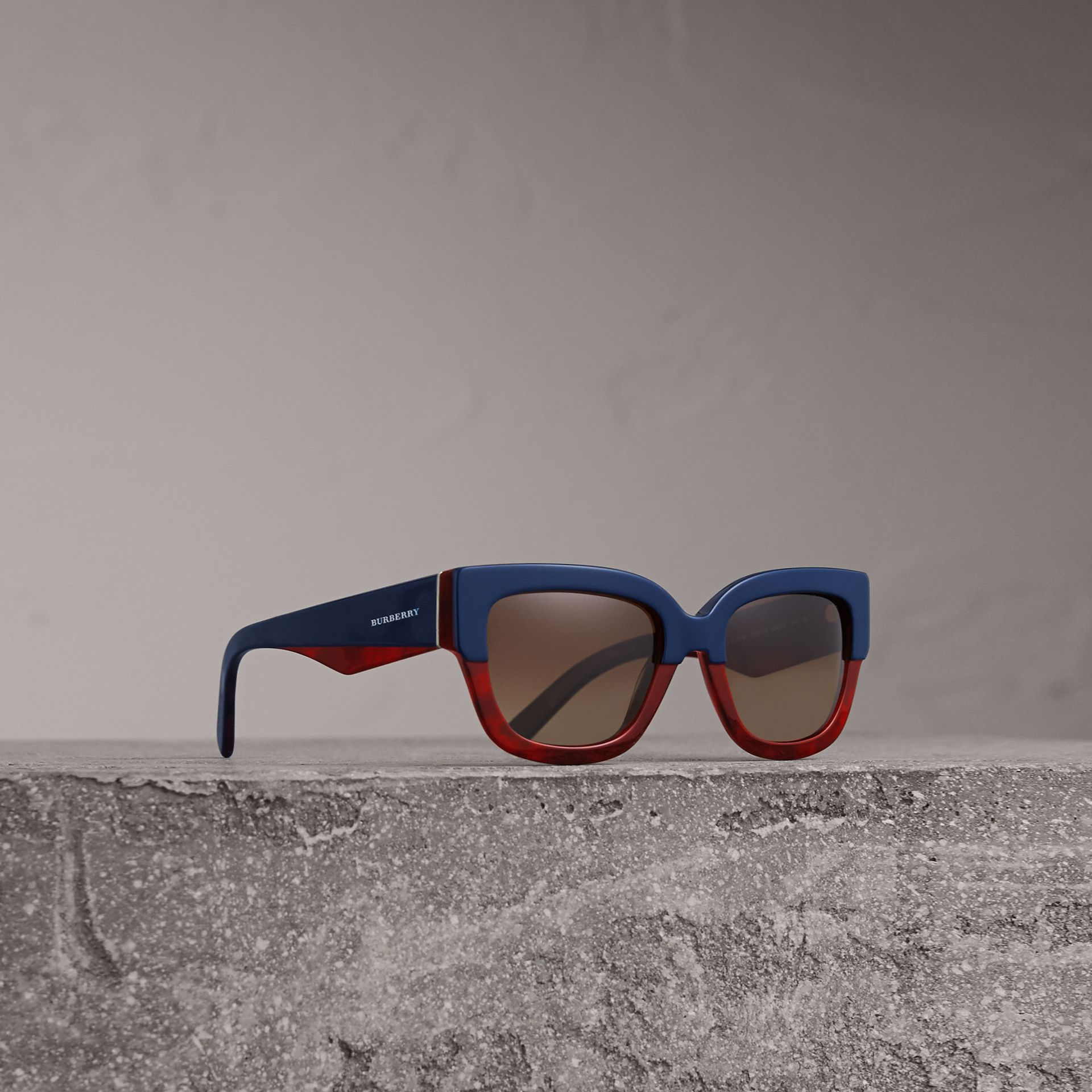 Square Frame Sunglasses in Navy - Women | Burberry United Kingdom - gallery image 0