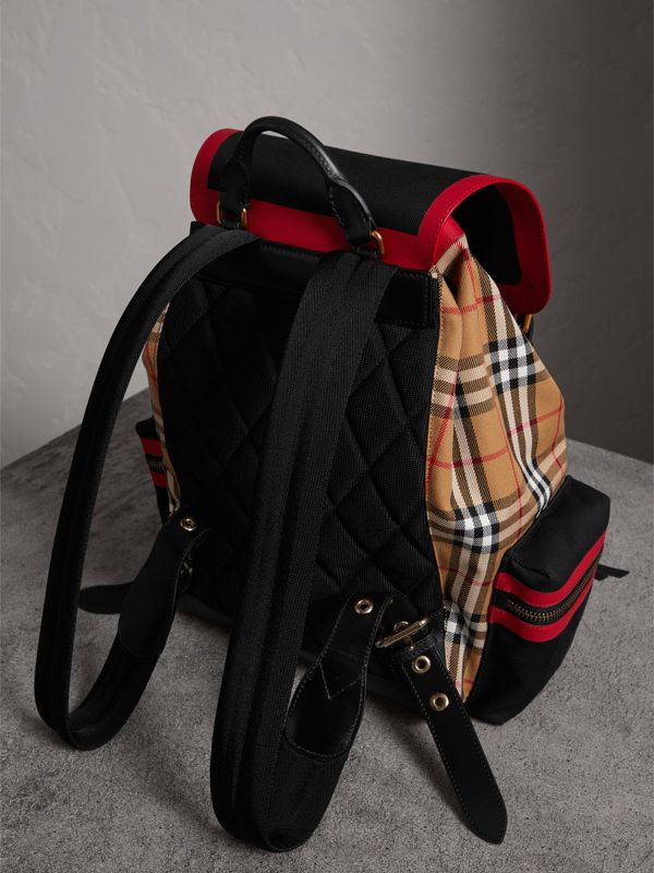 Grand sac The Rucksack en cuir et toile Vintage check (Jaune Antique) | Burberry Canada - cell image 3