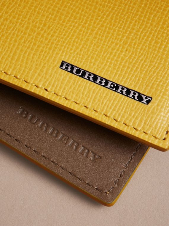 London Leather Slim Folding Wallet in Bright Citrus | Burberry Singapore - cell image 3