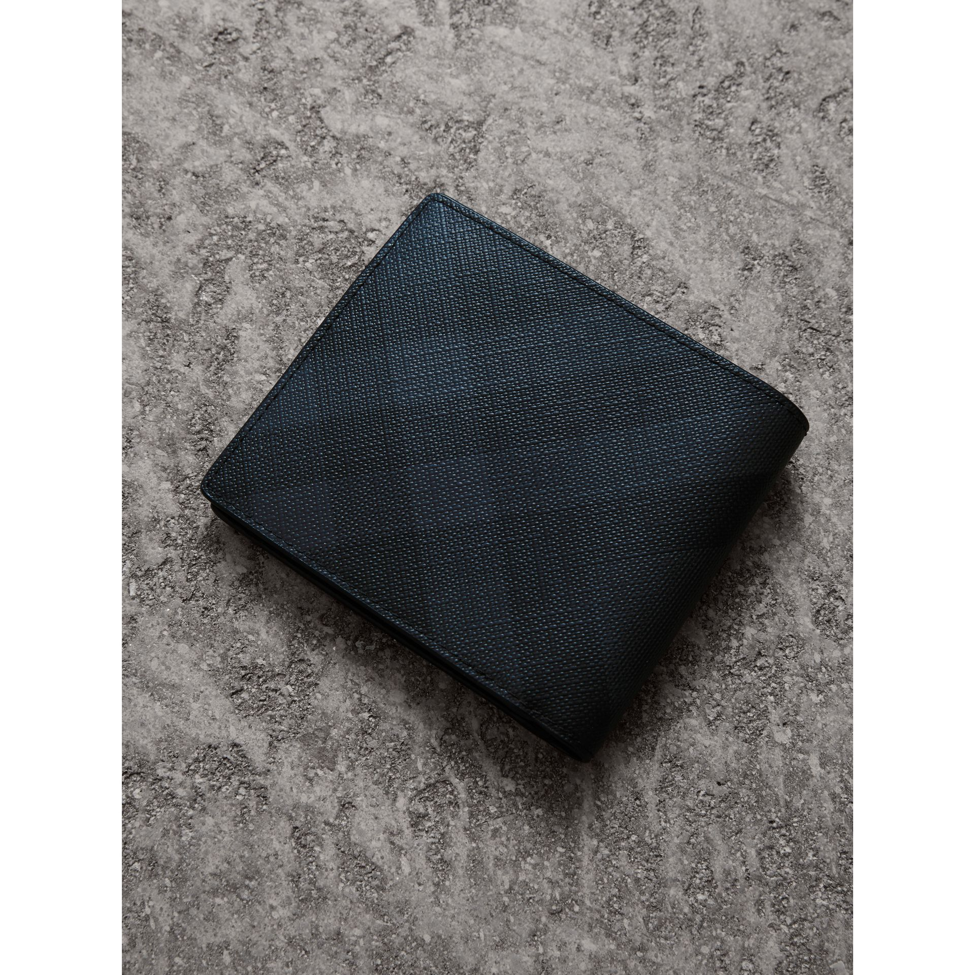 London Check International Bifold Wallet in Navy/black - Men | Burberry United States - gallery image 2