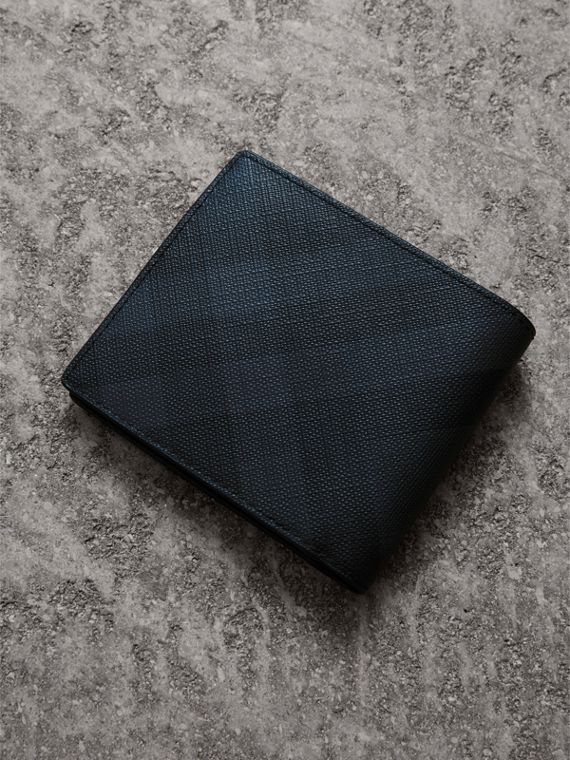 London Check International Bifold Wallet in Navy/black - Men | Burberry United Kingdom - cell image 2