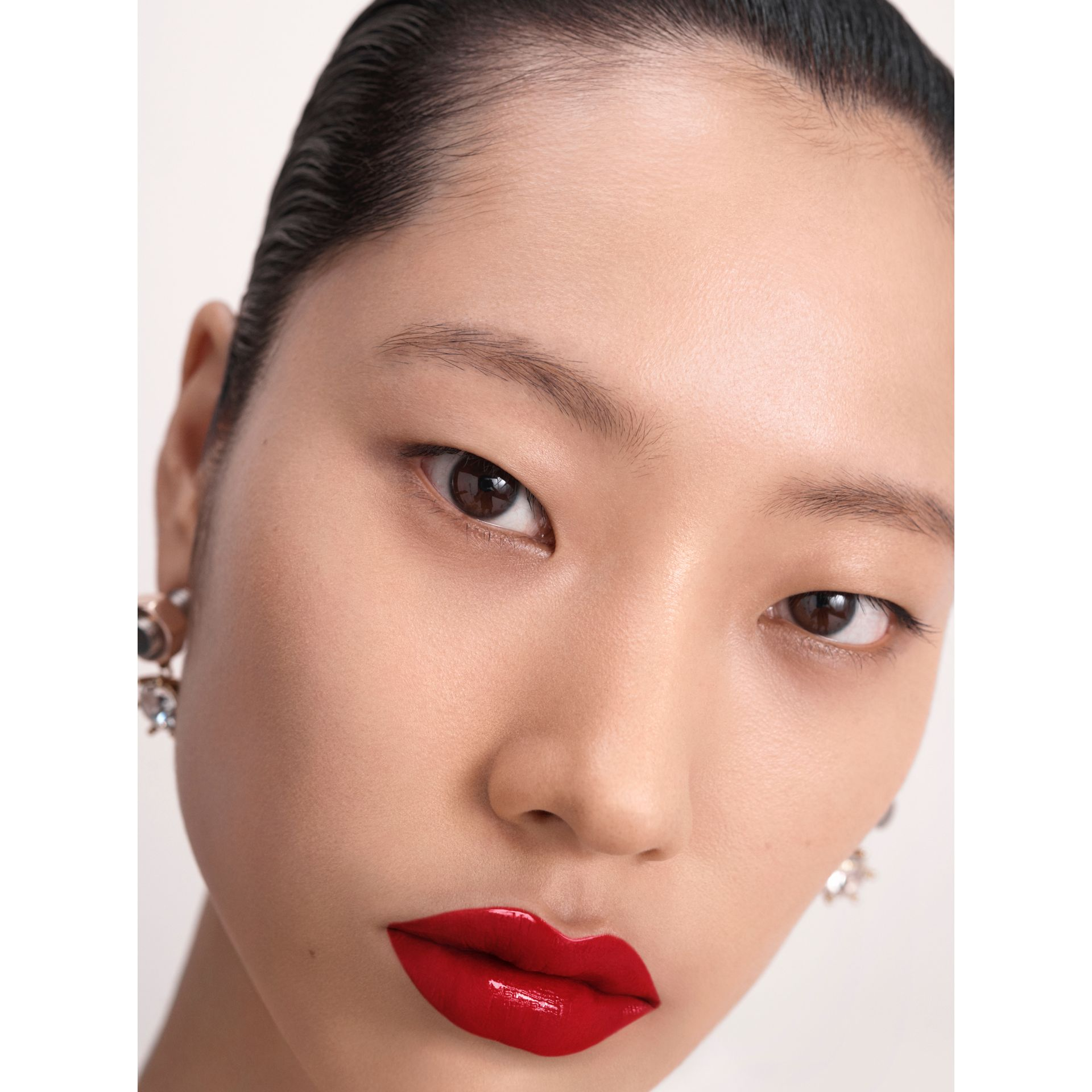 Burberry Kisses Lip Lacquer – Military Red No.41 - Women | Burberry Singapore - gallery image 6