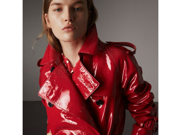 Raglan-sleeve Patent Lambskin Trench Coat in Parade Red - Women | Burberry United Kingdom - cell image 4